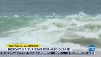 Rescatan Turistas Alto Oleaje Acapulco, Guerrero