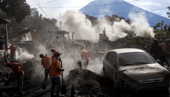 Brigadas rescatan ocho cadáveres en Guatemala