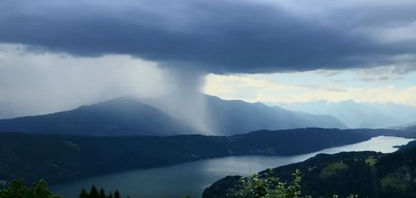 Impresionante Cascada Cae Desde el cielo
