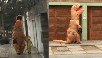 Padre disfraza de dinosaurio Hijo Redes enloquecen