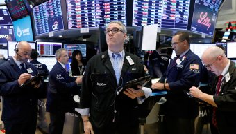 Wall Street registra ganancias a media sesión, Nasdaq sube