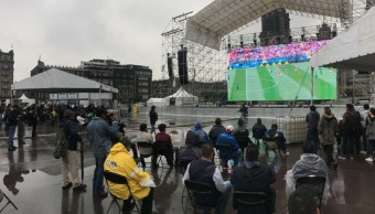 Pese a lluvia, aficionados disfrutan del Zocafest en la CDMX