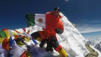 Llegan a Perú familiares de alpinistas fallecidos