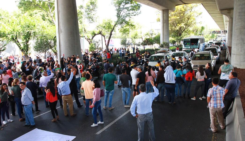 Manifestantes bloquean Periférico por falta de boletas
