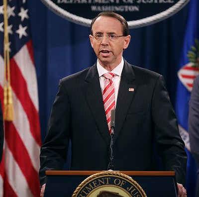 Estados Unidos acusa a 12 militares rusos de espionaje a demócratas