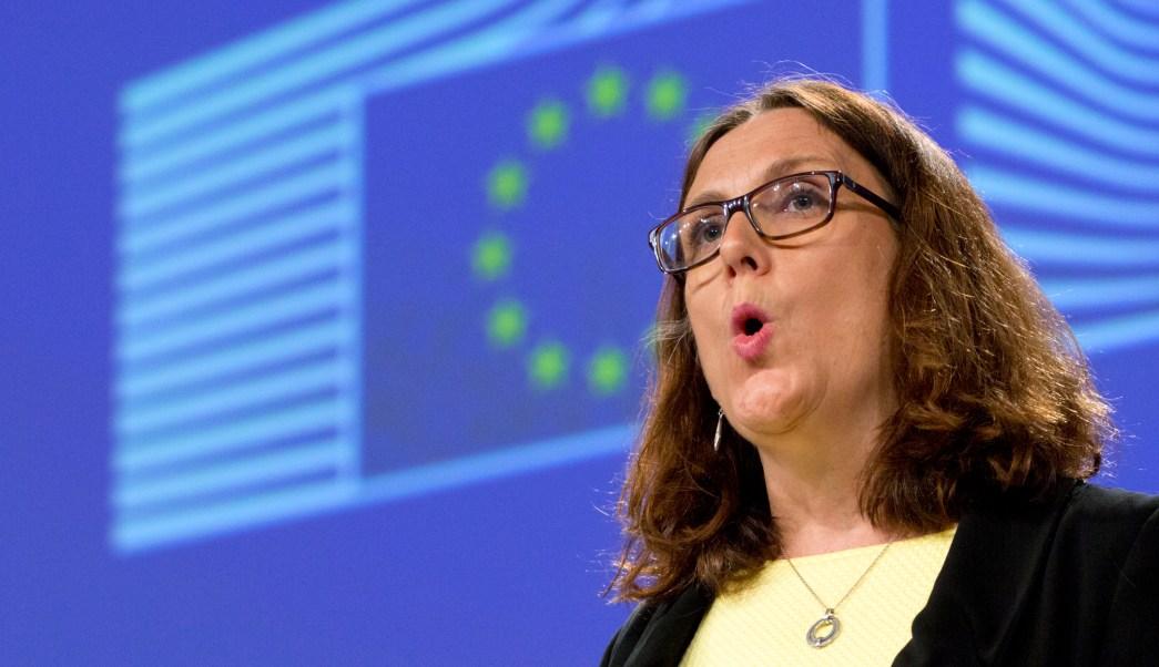 Advierte UE represalias si EU aplica aranceles a autos
