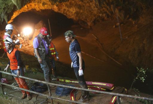 inicia rescate ninos atrapados cueva tailandia