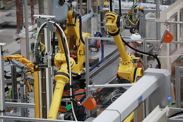 Aumenta producción industrial en 0.3% en mayo: INEGI