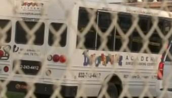 Olvidan a niño de tres años en autobús y muere de calor