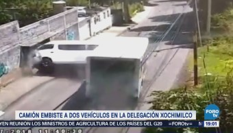 Camión Embiste Vehículos Delegación Xochimilco Camioneta Urvan