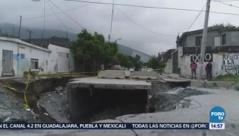 Corrientes Pluviales Arrastran Autos Avenida Monterrey