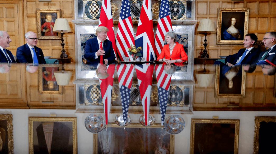 Trump se reúne con Theresa May tras polémica entrevista con The Sun
