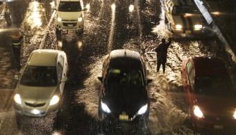 Fuerte tormenta sorprende a la CDMX; deja 26 anegaciones