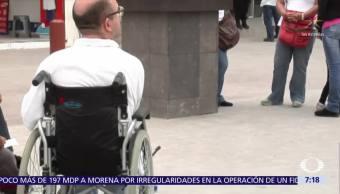 EPN presenta iniciativa a favor de personas con discapacidad