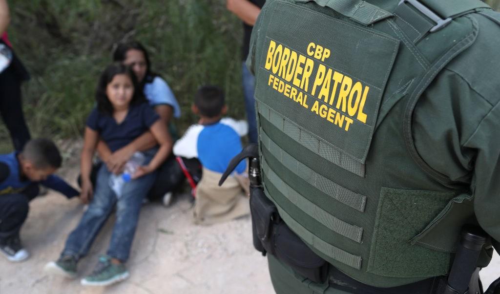 Estados Unidos sólo reunirá mitad niños migrantes