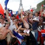 Francia realiza festejo masivo tras victoria en el Mundial