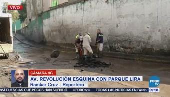 Fuga de agua afecta tránsito en avenida Parque Lira, CDMX