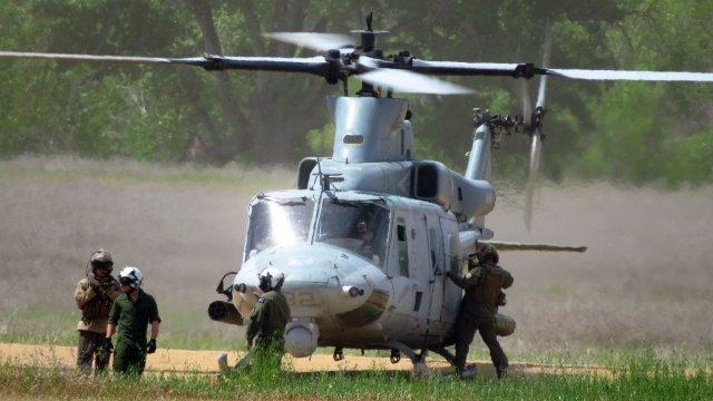 Colapso de carpa militar deja 22 heridos en California