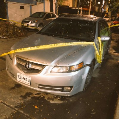 Investigan homicidio de sujeto hallado dentro de vehículo en Copilco
