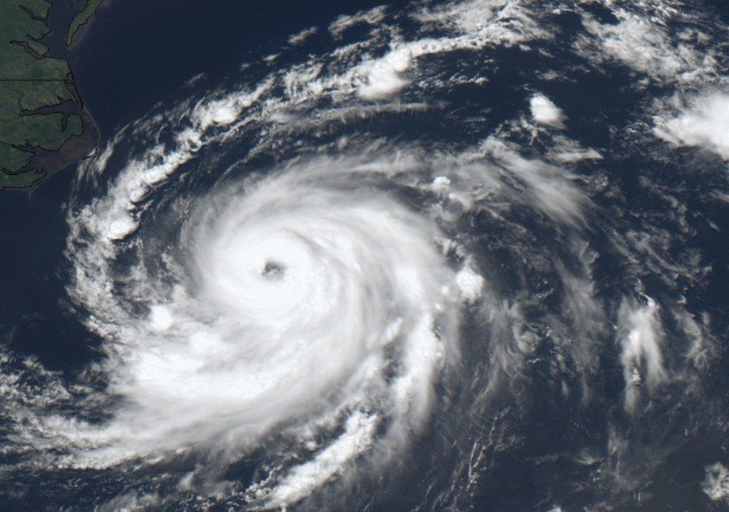 Huracán 'Chris' sube categoría 2 'Beryl' Bahamas