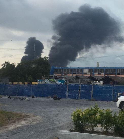 Incendio en fábrica de aluminio en San Nicolás
