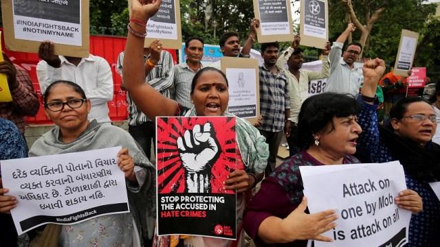 Finalizan protestas en India tras tres días de muertes
