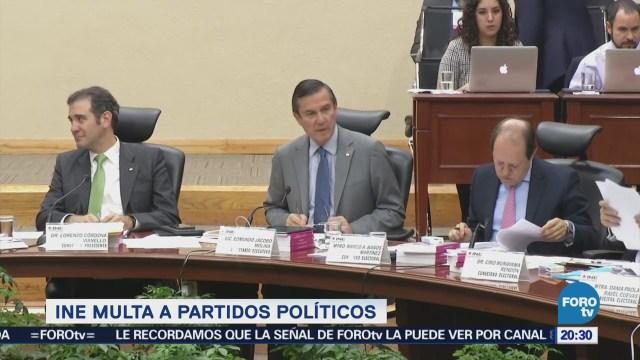INE multa a partidos políticos