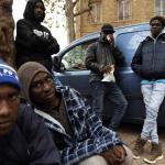 Las calles de París, refugio para decenas de ninos migrantes