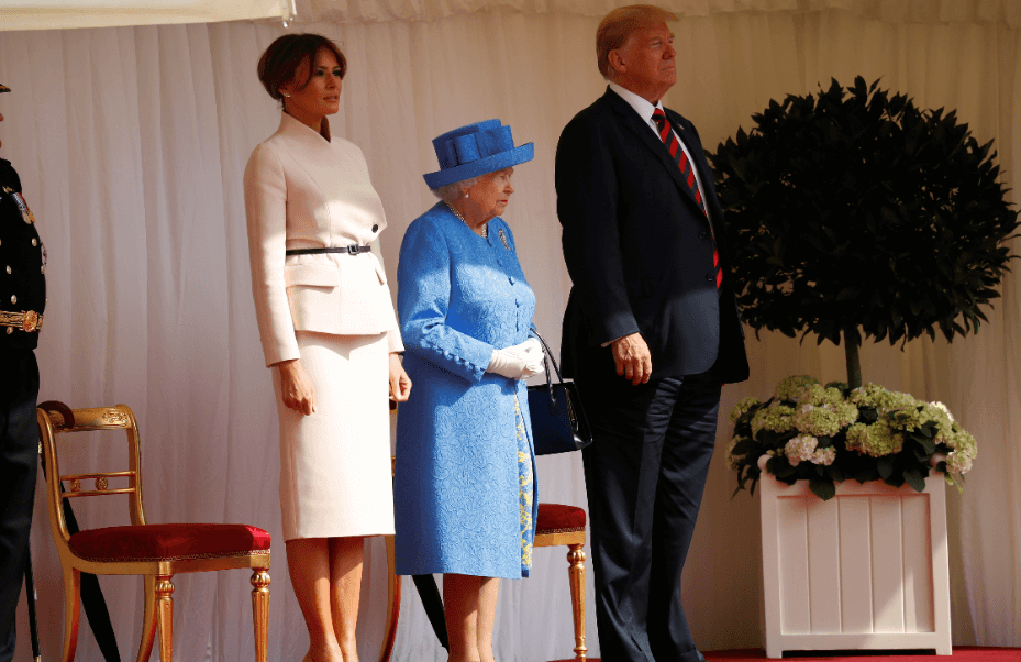 Isabel II recibe a Trump en el castillo de Windsor