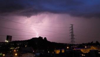 Se espera domingo con lluvia y granizo en CDMX