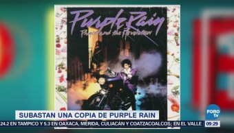 #LoEspectaculardeME: Subastan copia del disco 'Purple Rain'