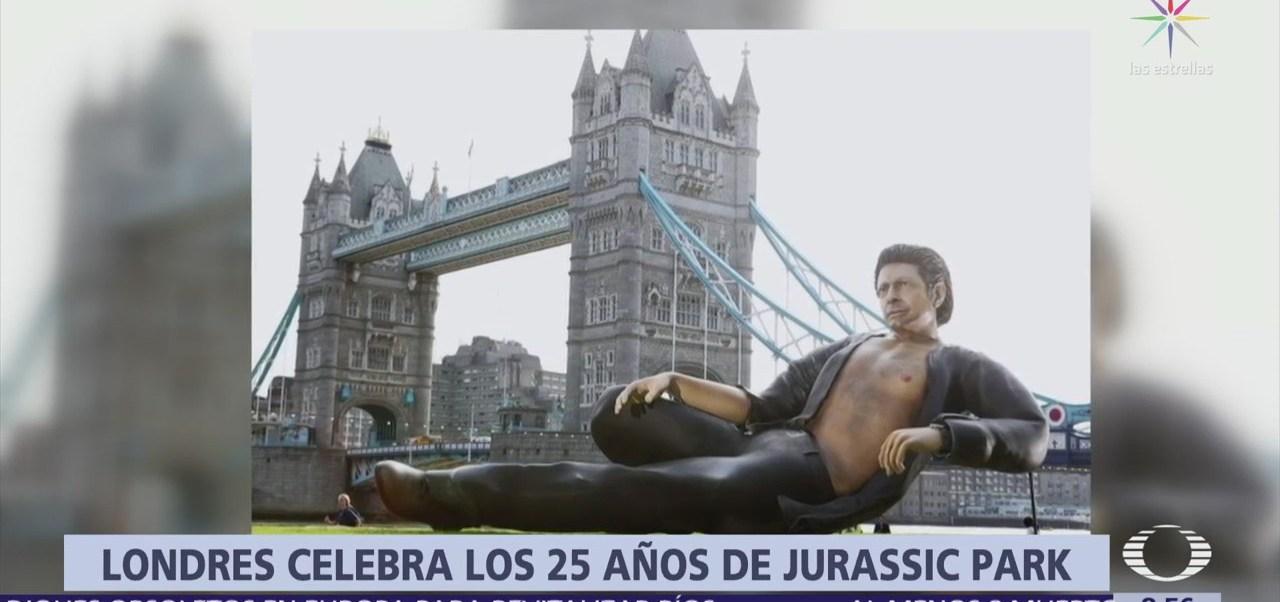 Londres celebra los 25 años de Jurassic Park con monumento