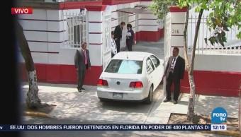 López Obrador llega casa de transición para reunión