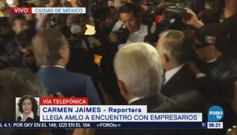 López Obrador llega a reunión con miembros del CCE