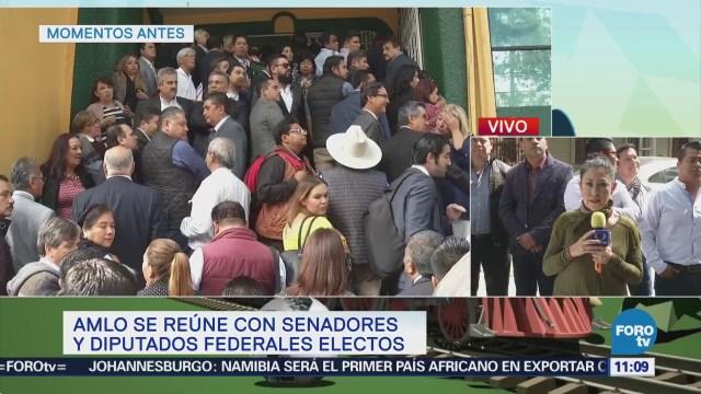 López Obrador sostiene reunión con legisladores federales electos