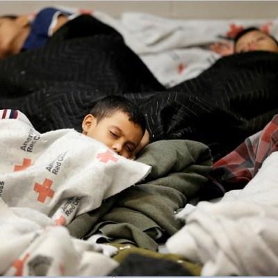 Malala califica de 'cruel' política de Trump de separar familias migrantes