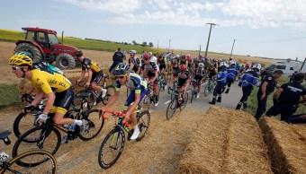 Manifestación de agricultores detiene el Tour de Francia