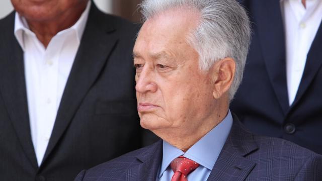 AMLO defiende nombramiento de Manuel Bartlett en CFE