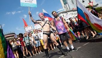 Berlín celebra multitudinario desfile del orgullo gay