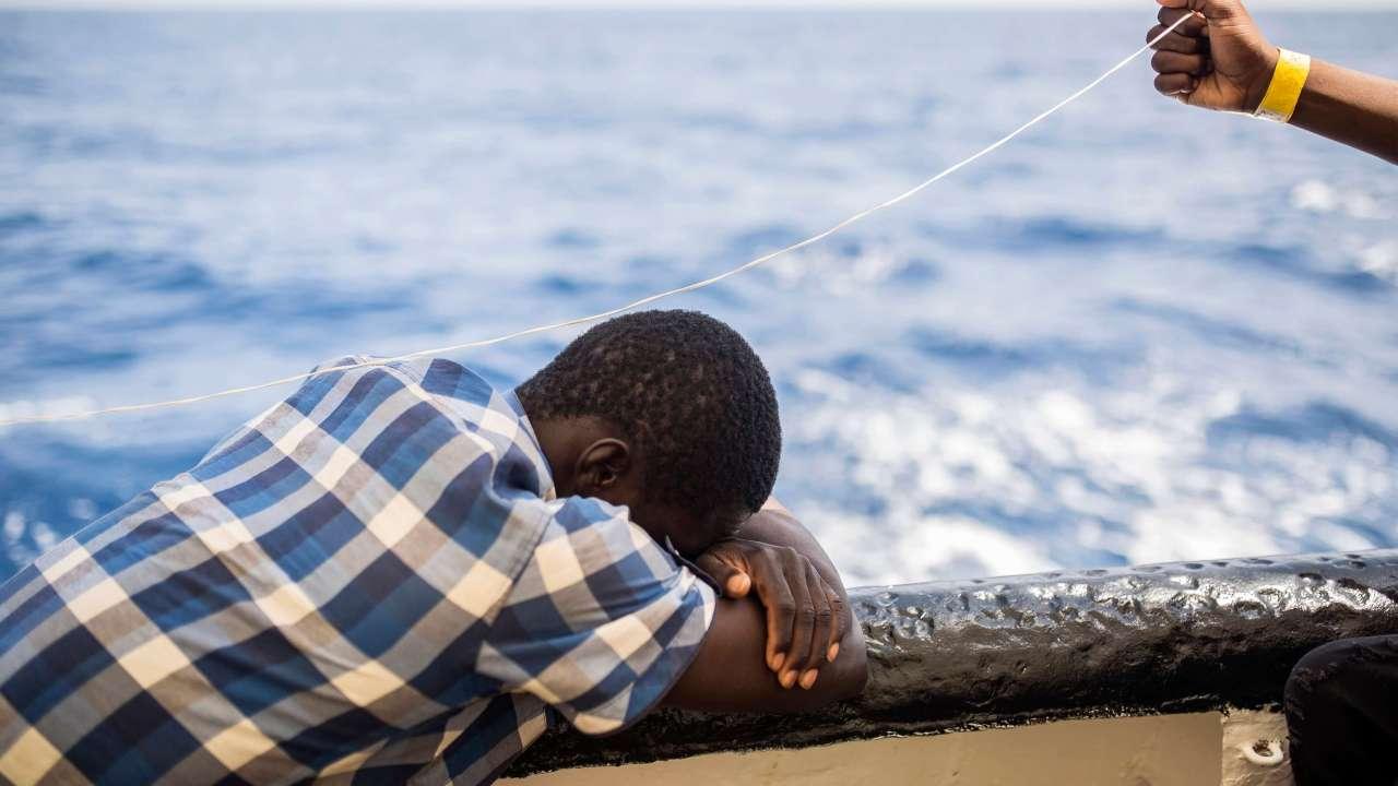 Muere 1 de 7 migrantes que intentaron cruzar el Mediterráneo en junio
