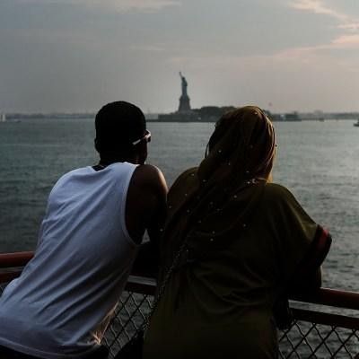 Cientos de inmigrantes se convierten en ciudadanos este 4 de julio en EU