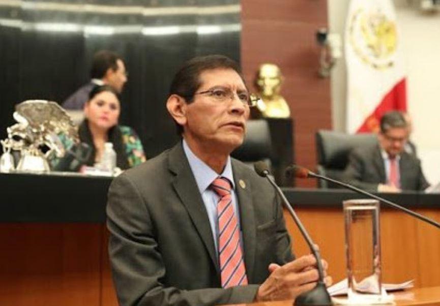 Morena presenta iniciativa para acabar con los 'moches'