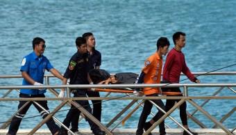 Naufragio en Tailandia deja al menos 21 muertos