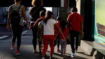 Trump incumple plazo de reunir 102 niños migrantes padres
