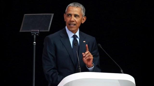 Obama parece reprender a Trump en conmemoración de Mandela