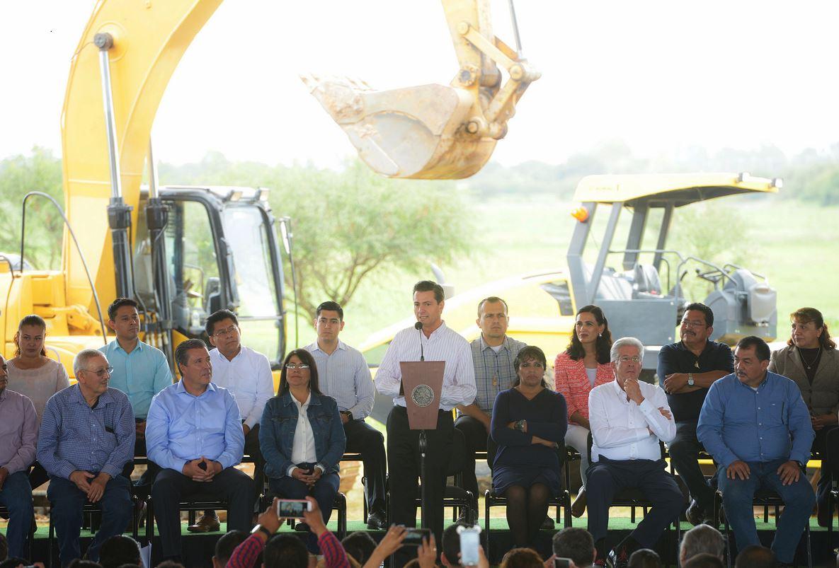 Inaugura Peña Nieto instalaciones de Brigada de Policía Militar