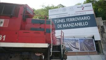 Peña Nieto inaugura obra ferroviaria en Manzanillo, Colima