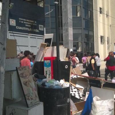 Familiares denuncian abusos y corrupción en penal de Cuautitlán