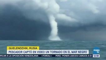 Pescador capta tornado sobre aguas del Mar Negro