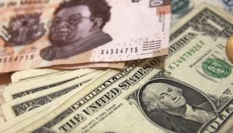 Peso mexicano gana por debilidad del dólar, cotiza a 18.83